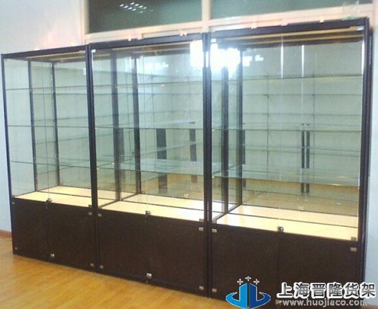 这款古董玻璃展柜是钛合金展柜类型,边框有黑色,金色,银色三种颜色